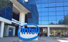 Intel CEO moves to relieve chip production fears